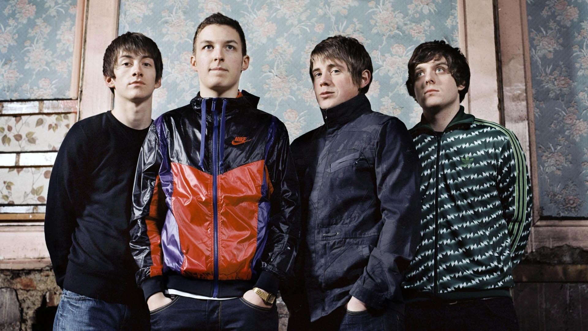 Arctic-Monkeys-band-1080x1920